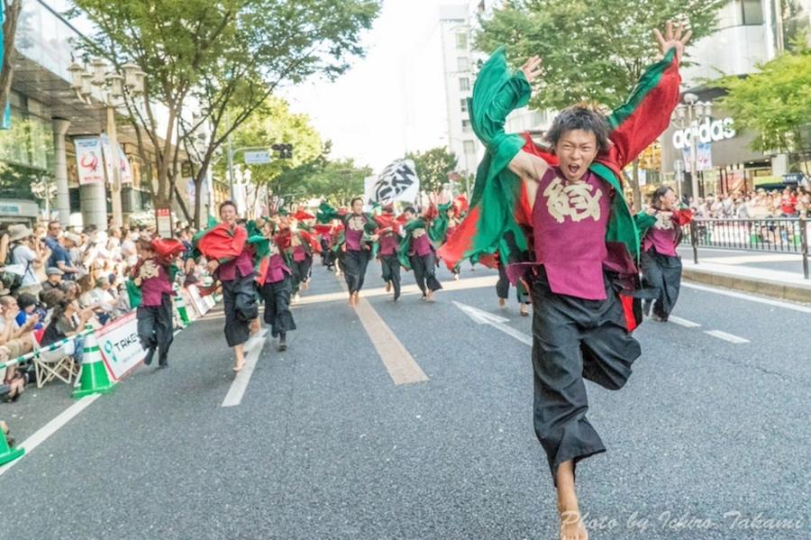 愛知県『にっぽんど真ん中祭り』でのよさこい演舞の様子