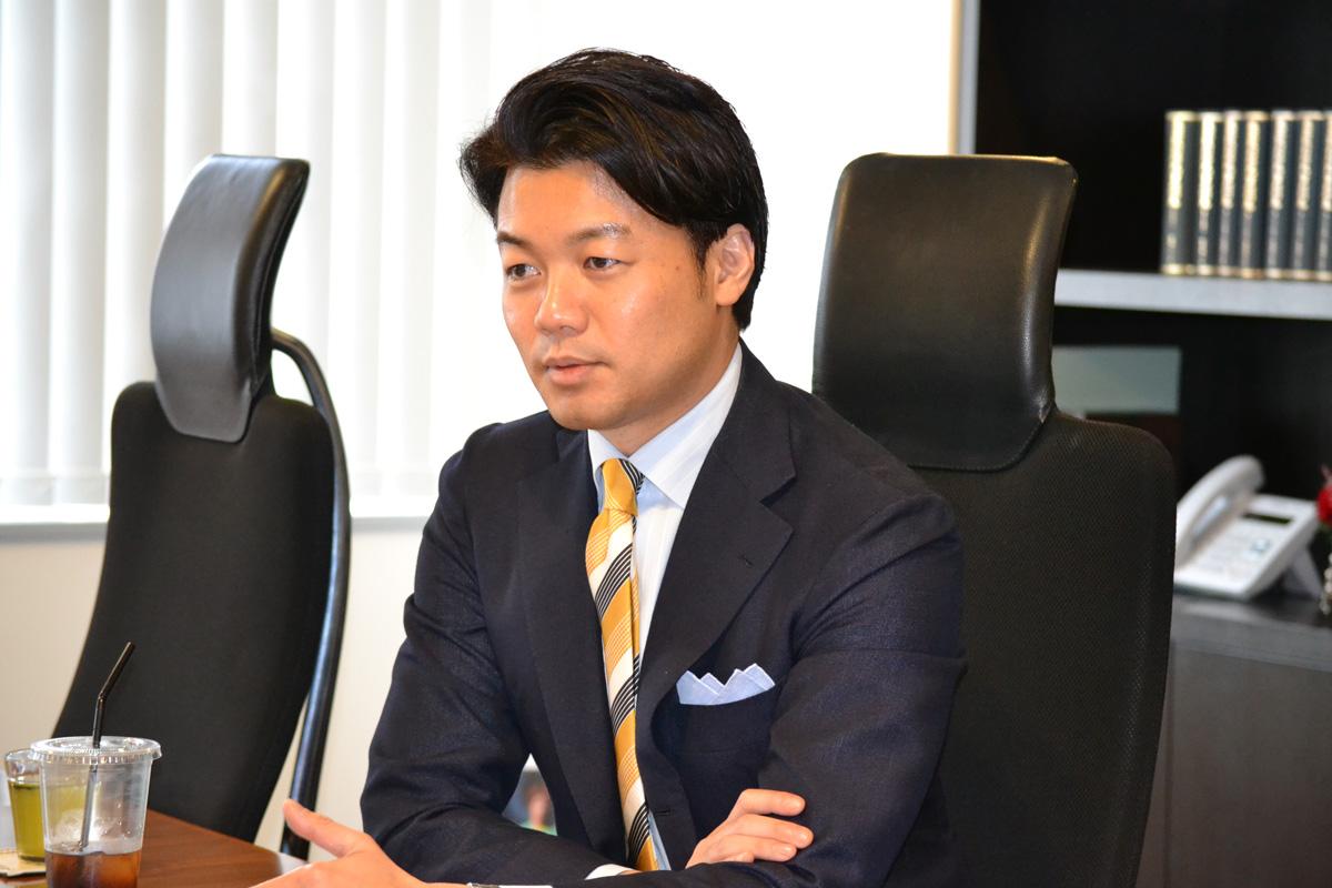 弁護士ドットコム株式会社 元榮社長